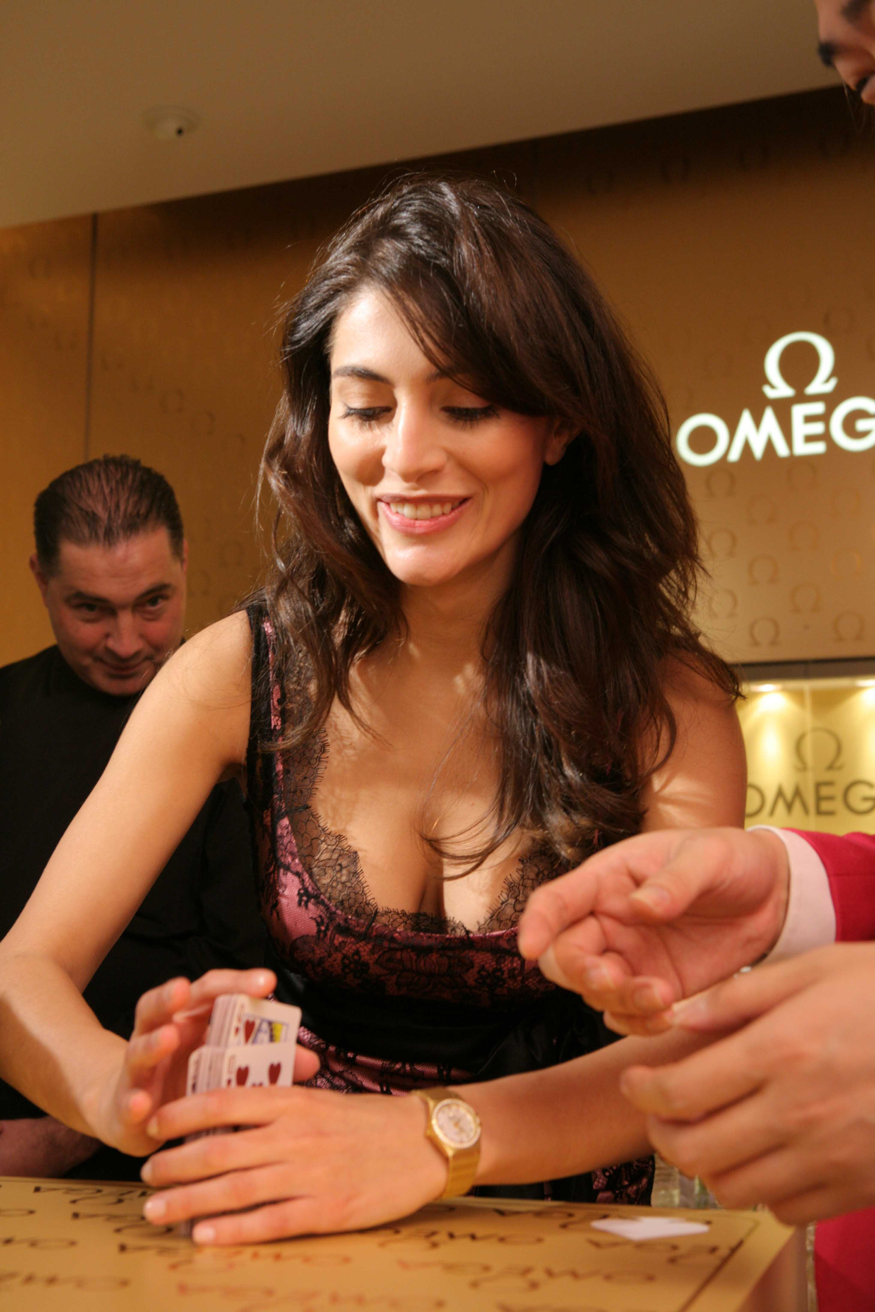 Have caterina murino bond girl apologise, but