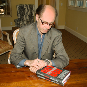 Jeffery Deaver, wearing James Bond's Breitling watch from Carte Blanche